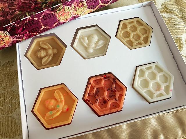 Six bumblebee themed wax melts in presentation box