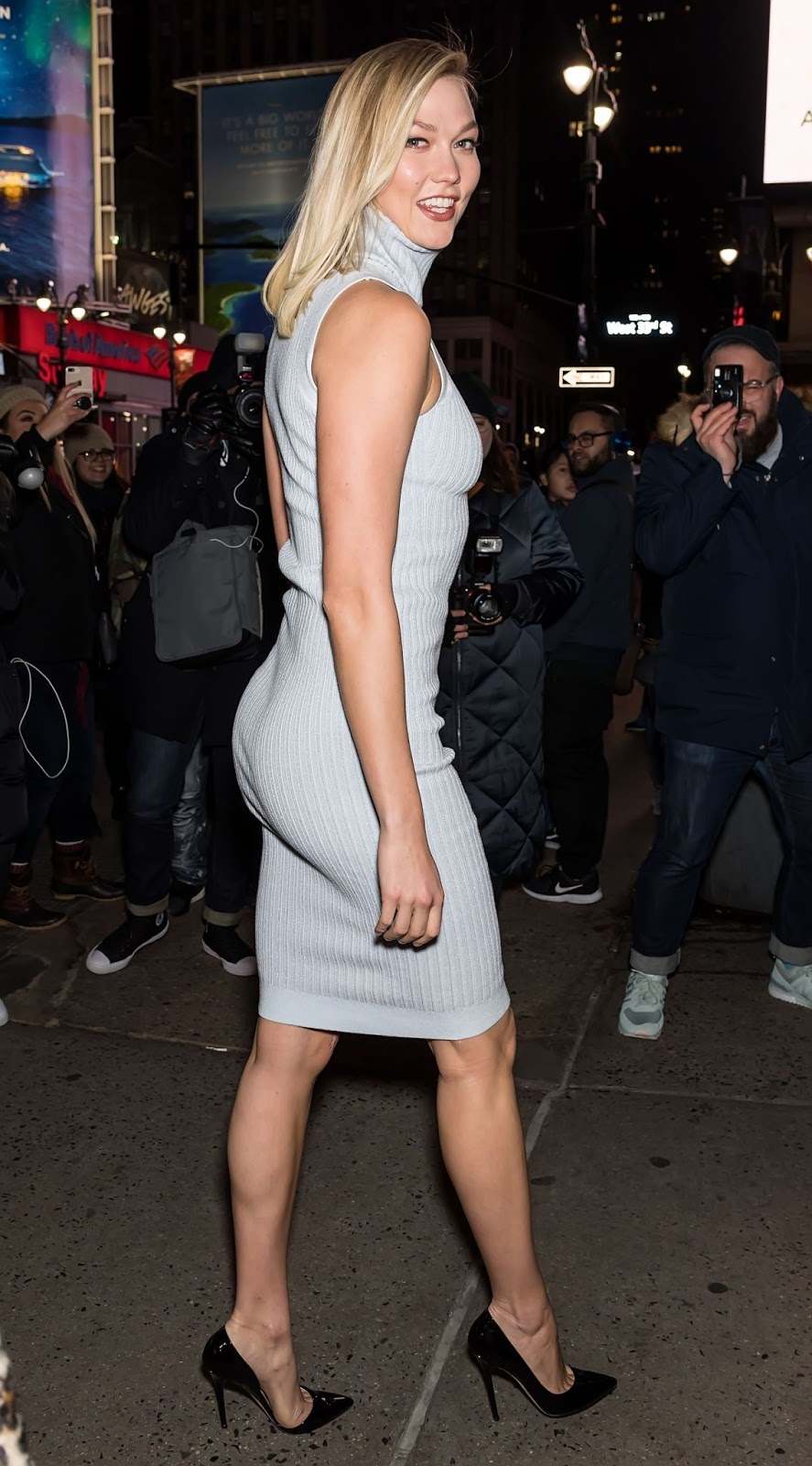 Karlie Kloss - Exits Brandon Maxwell's show during NYFW in NYC - 02/10/2019