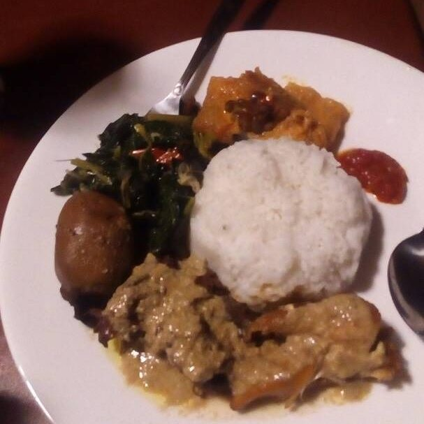 Wisata Kuliner  Nasi Gudeg Pak Memed Semarang