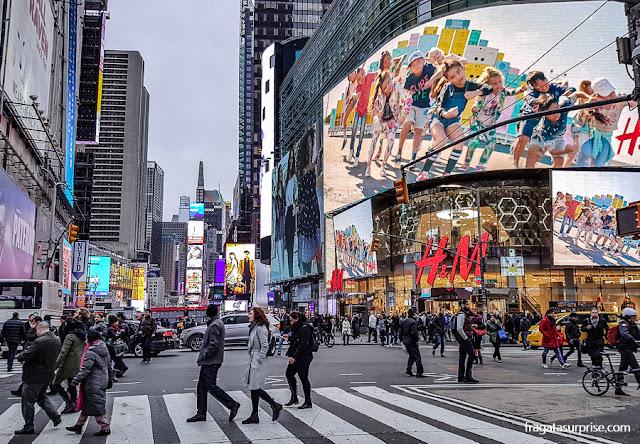 A Broadway na altura de Times Square, Nova York