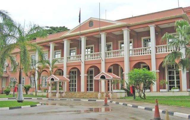 Angola | Polícia reprime protesto de ex-trabalhadores da Casa de Segurança do Presidente