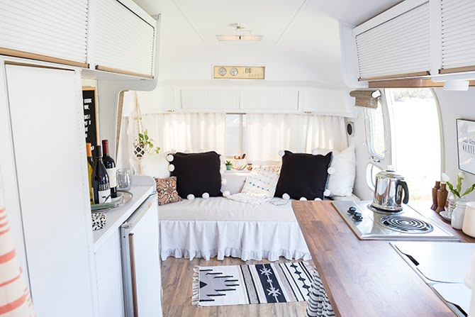 Living Beautifully In Her She Shed How A Vintage Camper