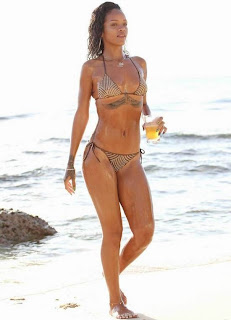 Rihanna – Hot and Sexy Bikini Photos in Barbados