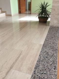 keramik lantai teras motif kayu
