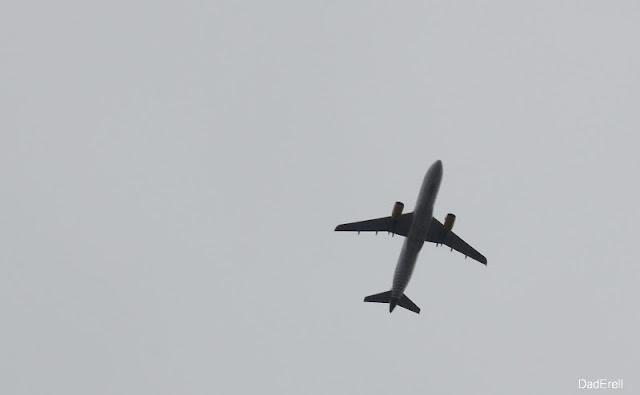 Un avion dans le vent