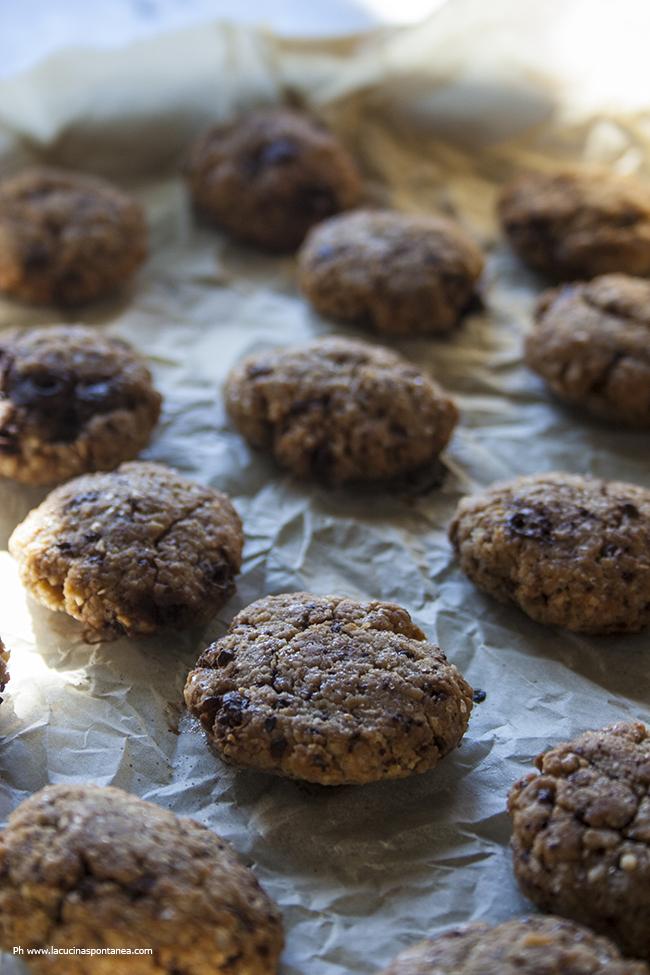 Biscotti vegani con farina di ceci in preparazione