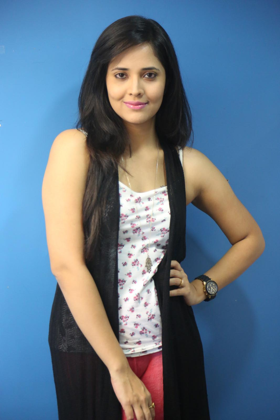 Anchor Anasuya Latest Hot Photos