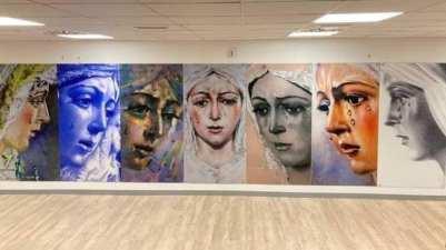 La Virgen de la Esperanza a las puertas de la UCI del hospital Macarena