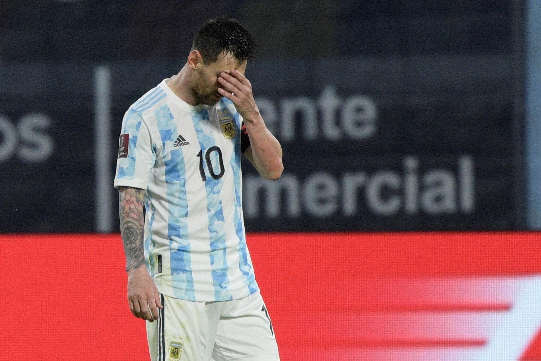 Messi donó más de 30 respiradores pero hace mas de 10 meses que están abandonados en el aeropuerto