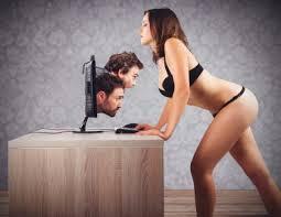 Веб девушка модель дома поведение девушки если ей нравится парень на работе