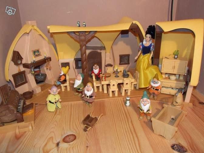 Le grenier des p 39 tites canailles jeux et jouets - Maison blanche neige et les 7 nains ...