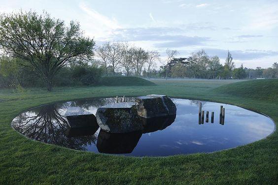 fantana moderna, reflexie, luciu apa, peisagist, design gradina, amenajare