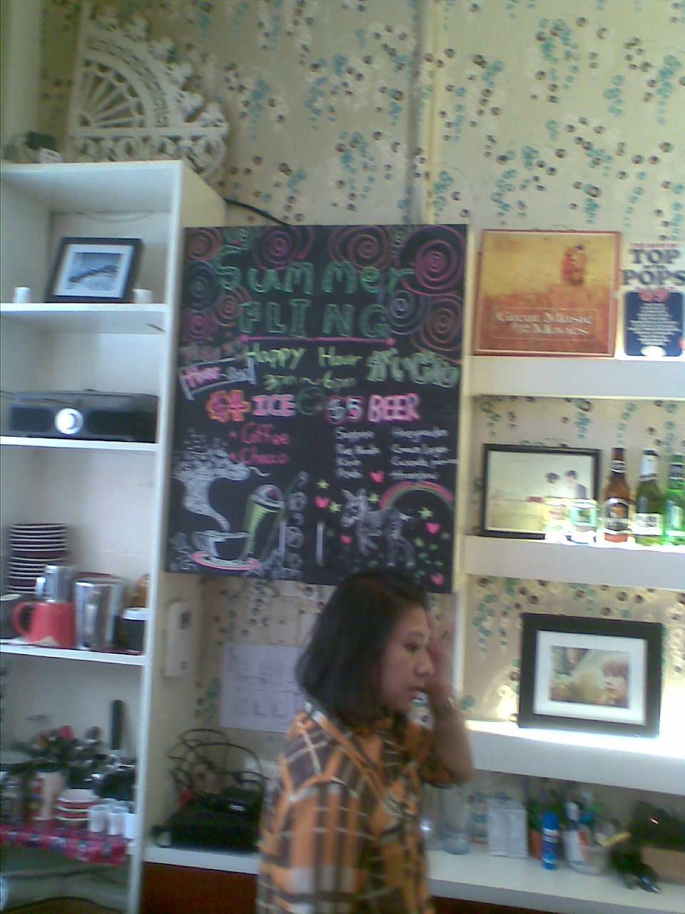Giraffe Restaurant Bar Manager Black Robin Gin