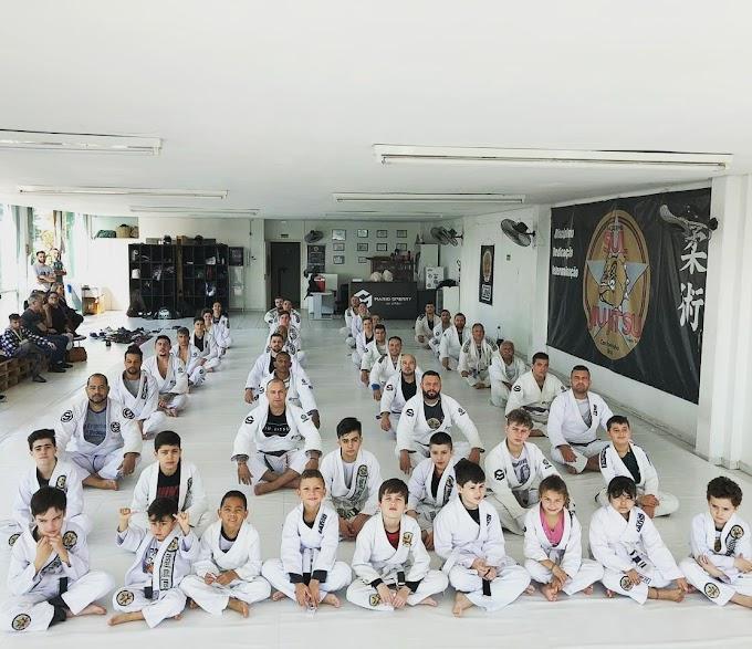 Lutadores de Jiu-Jitsu de Cachoeirinha se preparam para competir em Caxias do Sul