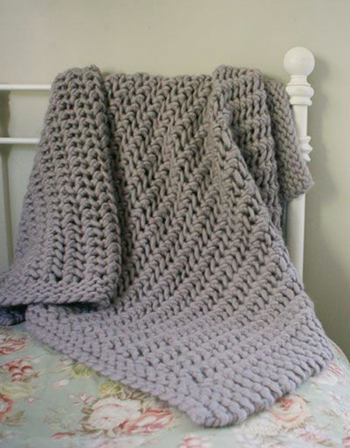 Lacy Chunky Throw - Free Pattern