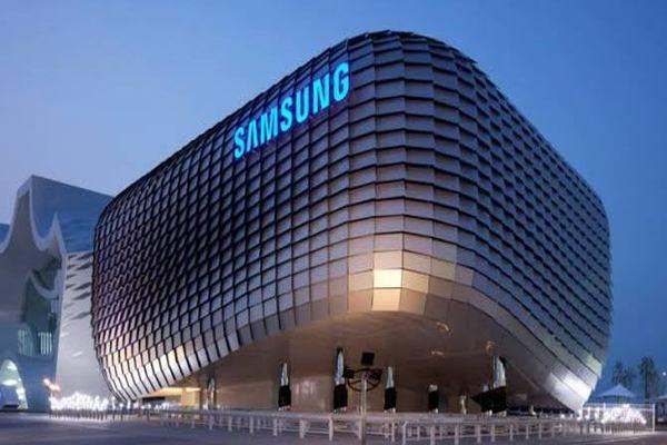 تقارير: شركة سامسونغ تقرر خفض إنتاج هواتفها الذكية بـ 50 في المئة بسبب كورونا