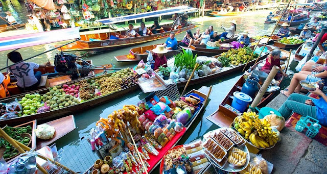 Exploring the biggest floating market in the Mekong Delta 1