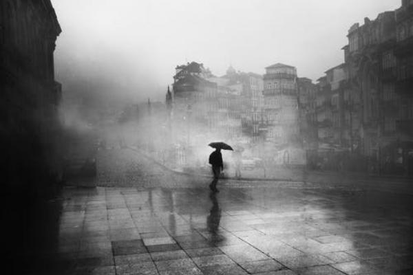 Puisi berjudul Hujan Untuk Kita