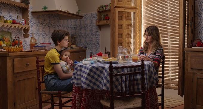 Teaser tráiler de 'Madres paralelas' (2021)