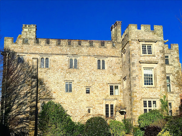 Devon & Lyme Regis: The weekend we stayed in a castle (with a video)