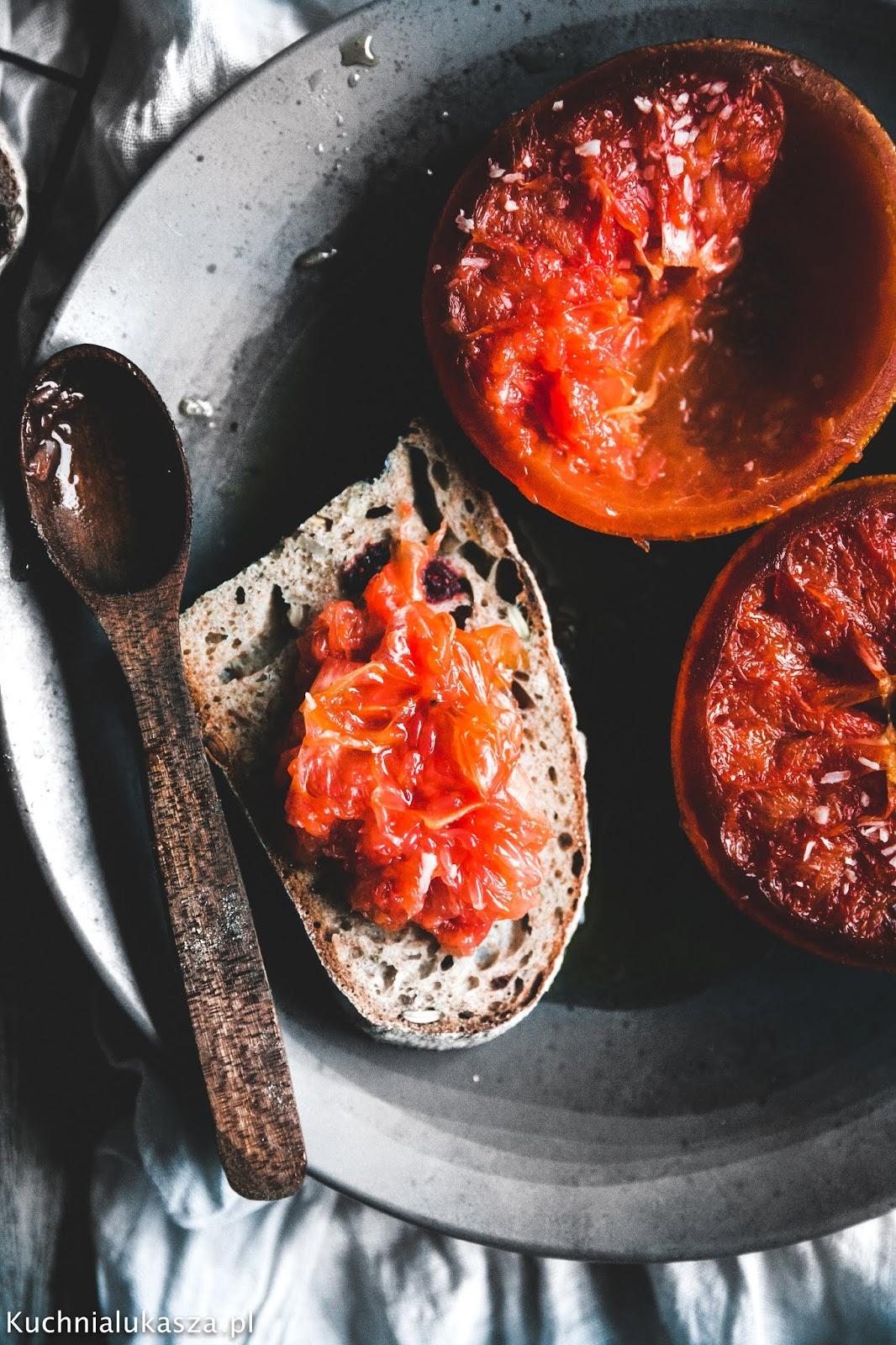 Grejpfrut pieczony w miodzie