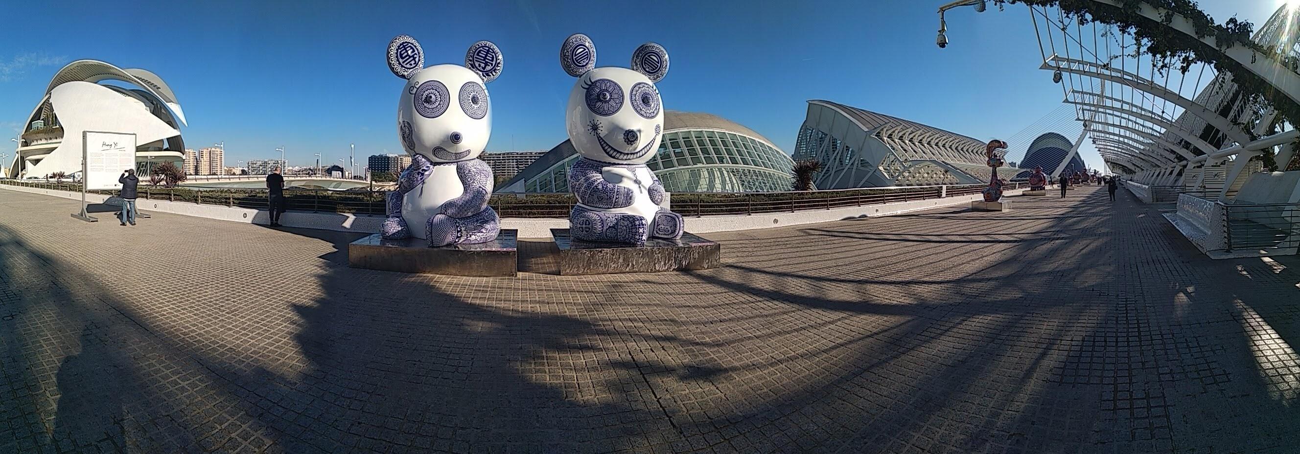Ciudad Artes y las Ciencias, exposición artista Hung Yi, escultor Taiwán
