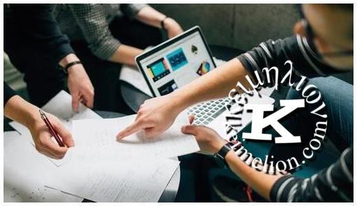 Orientação e revisão de tese são complementares.