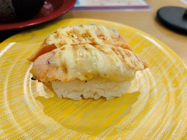 炙燒焗烤鮭魚握壽司