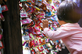 Gembok Cinta ala Lembang - Tempat Wisata Di Bandung