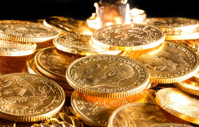 Βάζο με χρυσές λίρες που έκρυβε μια ηλικιωμένη κατέληξε στα... σκουπίδια