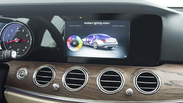 Mercedes E200 2017 sử dụng Hệ thống giải trí tiên tiến và hàng đầu của Mercedes hiện nay