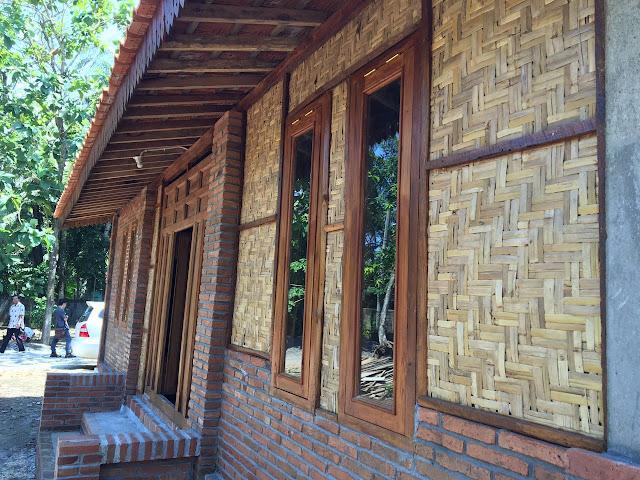 dinding anyaman kulit bambu