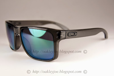 7e6dc9801a Oakley Holbrook Grey Smoke Ruby Iridium