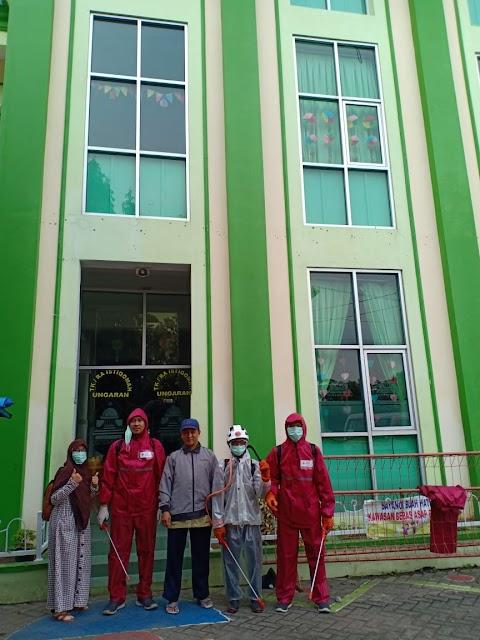 Sprying PMI Kab. Semarang di RA Istiqomah