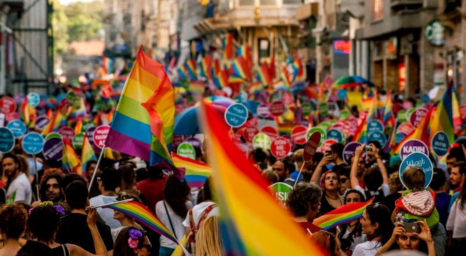 Pelo terceiro ano consecutivo, governo de Istambul proíbe parada LGBT