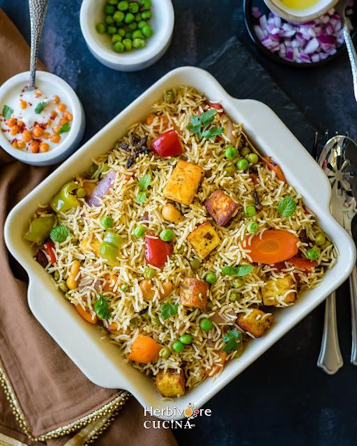 Paneer vegetable biryani in bowl