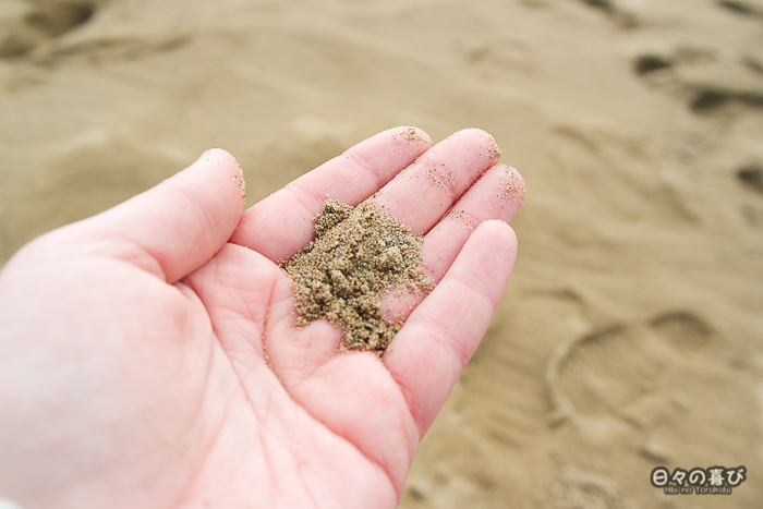 sable des dunes dans ma main