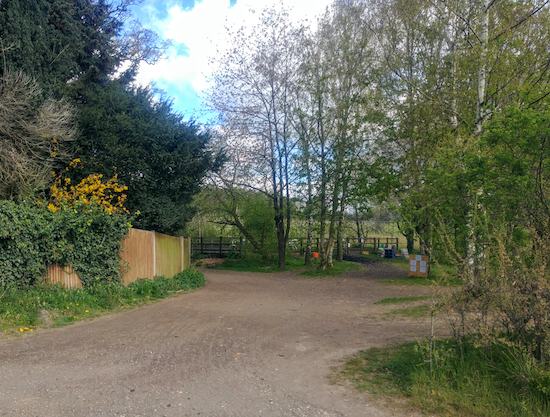 Sandridge bridleway 9 heading WNW off Sandridgebury Lane (point 2)