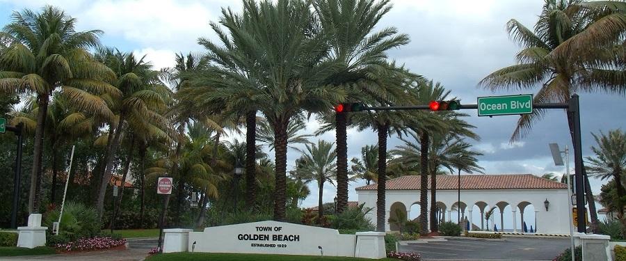 Town Hall en Golden Beach