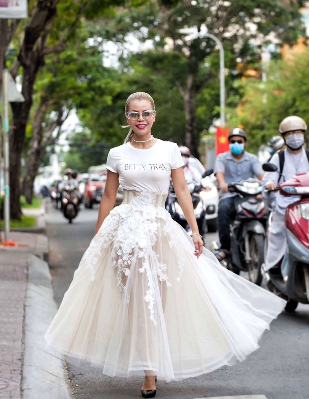 Crystal Phuong in Betty Tran- Singapore Fashion Blog- Street style in Ho Chi Minh