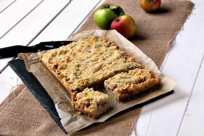 Cut Apple Crumble Bars