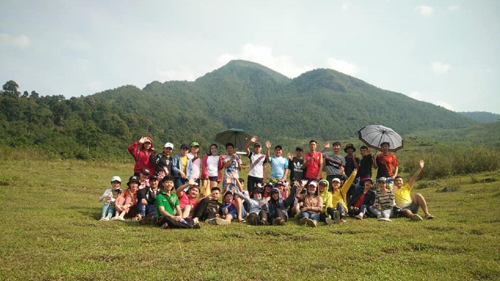 Các bạn sinh viên Lào (đang học tại trường Đại học Tây Bắc) đến rèn nghề tại xã Ngọc Chiến nghỉ lại Ngoc Chien Pearl homestay