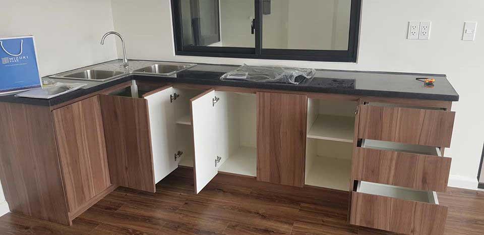 Bàn giao tủ bếp trên dự án Mizuki Park