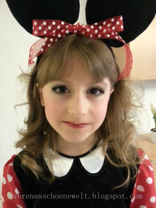 Faschingszeit Minnie Mouse Make Up Tutorial Verena S Schone Welt