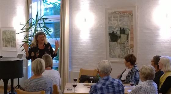Helle Baslund fortæller