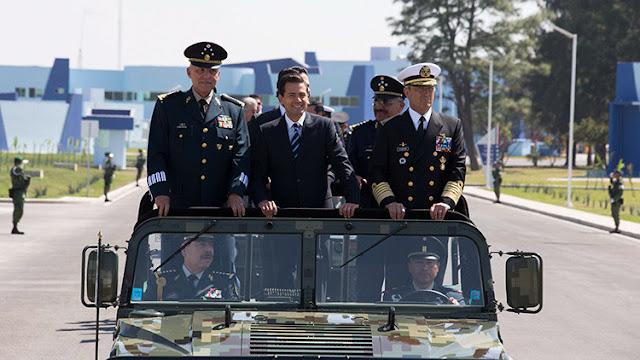 Peña Nieto inaugura una base aérea militar en Jalisco