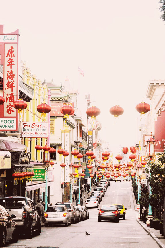 San Francisco Bucket List - explore the largest Chinatown outside of Asia