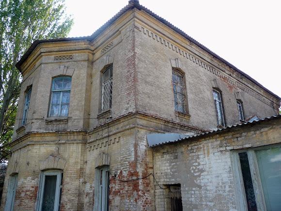 Донецьк. Вул. Лівобережна, 76. Риківська лікарня. 1892 р.