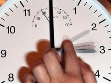 عاجل...المغرب يستعد للعودة والعمل بتوقيت (GMT+1) وإضافة (60) دقيقة مباشرة بعد نهاية شهر رمضان✍️👇👇👇