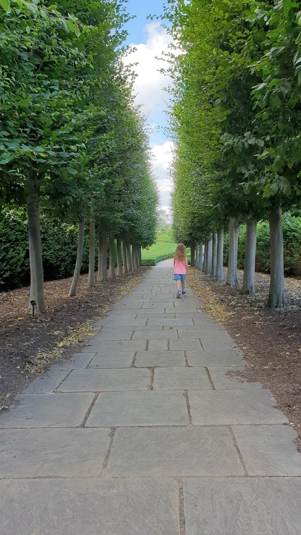 kew palace garden corridor